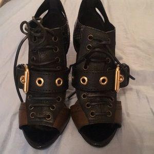 New Burberry heels